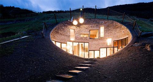 建築 地下の家