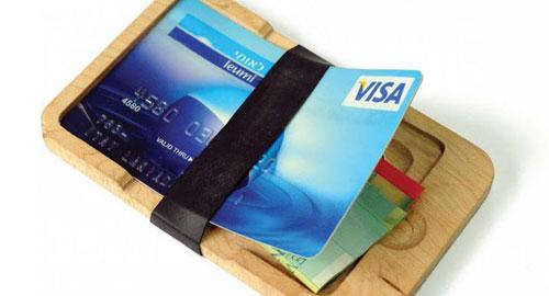 不思議なデザインの財布