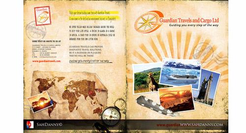 旅行会社のパンフレットデザイン