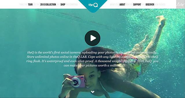 theQ cameraは水中でも使えるカメラの販売サイト。実際に楽しそうに水中で使っている動画が魅力的!